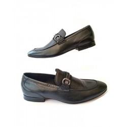 Sapato Masculino Mocassim Preto Em Couro Solado em Couro Com Detalhe em Couro e Metal
